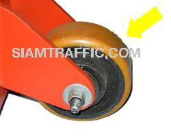 Thermoplastic line remover : Urethane wheel of 4