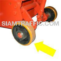 Thermoplastic line remover : Urethane wheel of 5