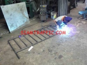 Manufacture of traffic barrier