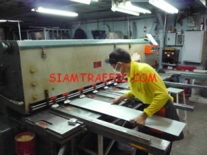 Zinc sheet for traffic or safety signs